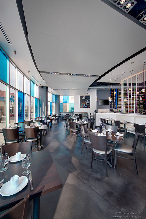 The Grilled Oyster Restaurant Interior Image at Cathedral Commons in Wahington DC by Jeffrey Sauers of Commercial Photographics, Architectural Photo Artistry in Washington DC, Virginia to Florida and PA to New England