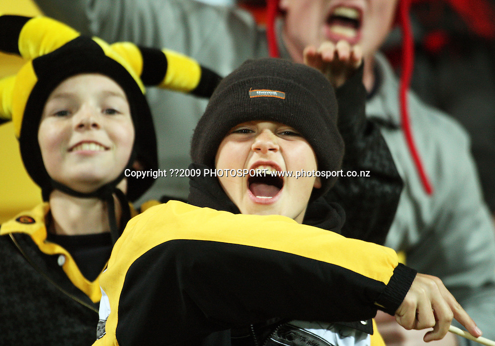 Fans in the stands.<br /> Air NZ Cup Ranfurly Shield match - Wellington Lions v Canterbury at Westpac Stadium, Wellington, New Zealand. Saturday, 29 August 2009. Photo: Dave Lintott/PHOTOSPORT