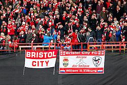 Bristol City signs before the match - Photo mandatory by-line: Rogan Thomson/JMP - 07966 386802 - 25/01/2015 - SPORT - FOOTBALL - Bristol, England - Ashton Gate Stadium - Bristol City v West Ham United - FA Cup Fourth Round Proper.