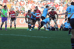 28-07-18 Emirates Airline Park, Johannesburg. Super Rugby semi-final Emirates Lions vs NSW Waratahs. 2nd half.scrum-half Nick Phipps passes the ball to his backline<br />  Picture: Karen Sandison/African News Agency (ANA)