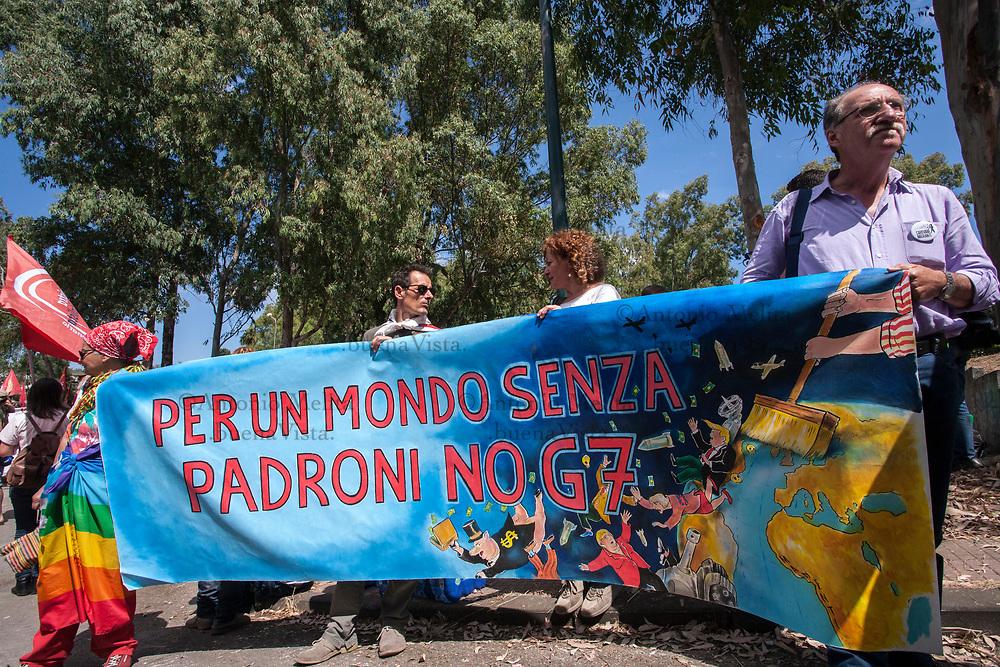 Giardini Naxos: il corteo No G7