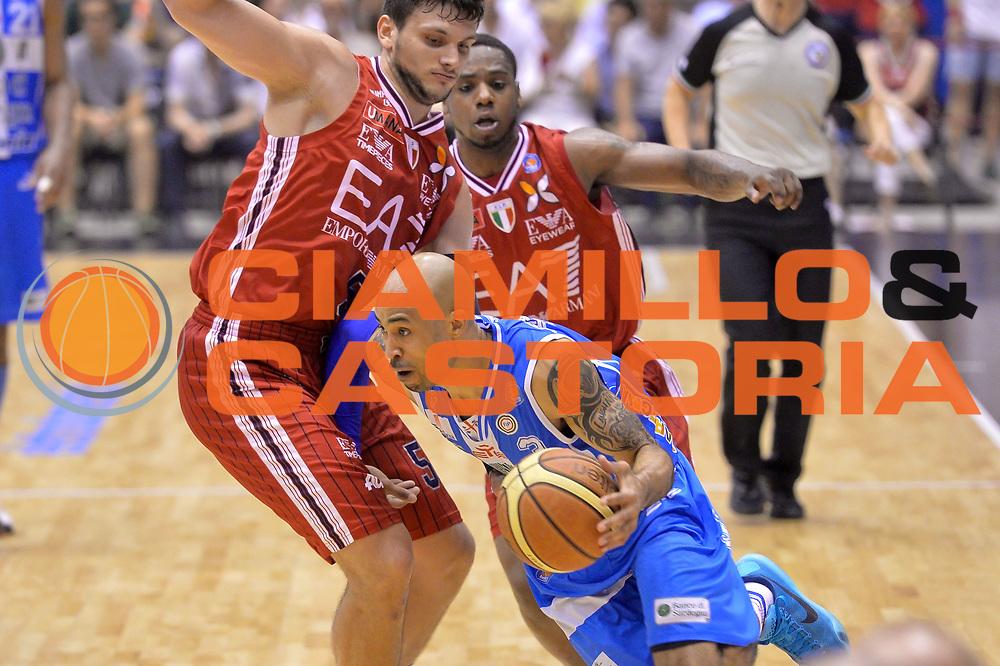 DESCRIZIONE : Milano Lega A 2014-15 EA7 Emporio Armani Milano vs Banco di Sardegna Sassari playoff Semifinale gara 5 <br /> GIOCATORE : Logan David<br /> CATEGORIA : Palleggio penetrazione sequenza<br /> SQUADRA : Banco di Sardegna Sassari<br /> EVENTO : PlayOff Semifinale gara 5<br /> GARA : EA7 Emporio Armani Milano vs Banco di Sardegna SassariPlayOff Semifinale Gara 5<br /> DATA : 06/06/2015 <br /> SPORT : Pallacanestro <br /> AUTORE : Agenzia Ciamillo-Castoria/Mancini Ivan<br /> Galleria : Lega Basket A 2014-2015 Fotonotizia : Milano Lega A 2014-15 EA7 Emporio Armani Milano vs Banco di Sardegna Sassari playoff Semifinale  gara 5 Predefinita :