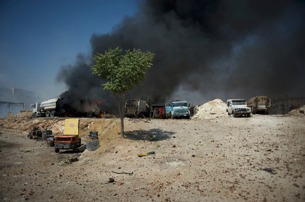 August 15, 2012 - Aleppo, Syria: View of the aftermath of an explosion cause by a Syrian army air strike on a communication center in northern Aleppo.