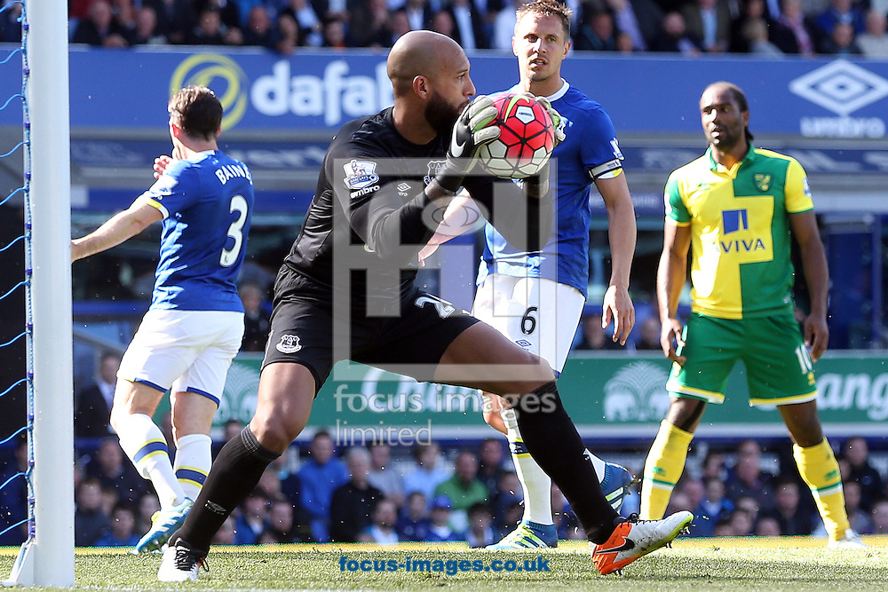 Tim Howard of Everton in action during the Barclays Premier League match at Goodison Park, Liverpool<br /> Picture by Paul Chesterton/Focus Images Ltd +44 7904 640267<br /> 15/05/2016
