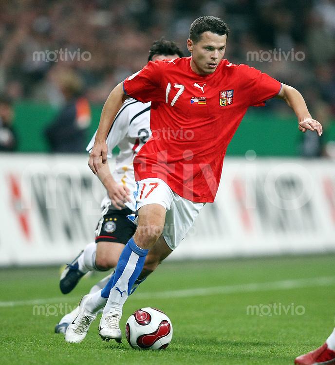 Fussball  International   EM Qualifikation  Deutschland 0-3 Tschechien Libor Sionko (CZE) am Ball