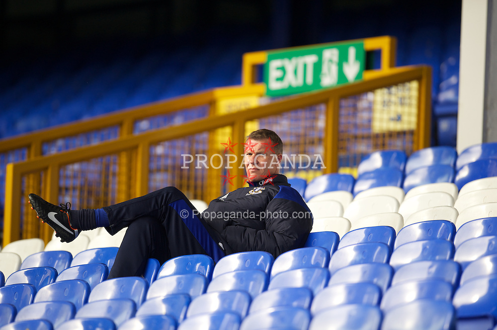 LIVERPOOL, ENGLAND - Tuesday, March 6, 2012: Everton's goalkeeping coach Chris Woods during the FA Premier Reserve League match against Liverpool at Goodison Park. (Pic by David Rawcliffe/Propaganda)