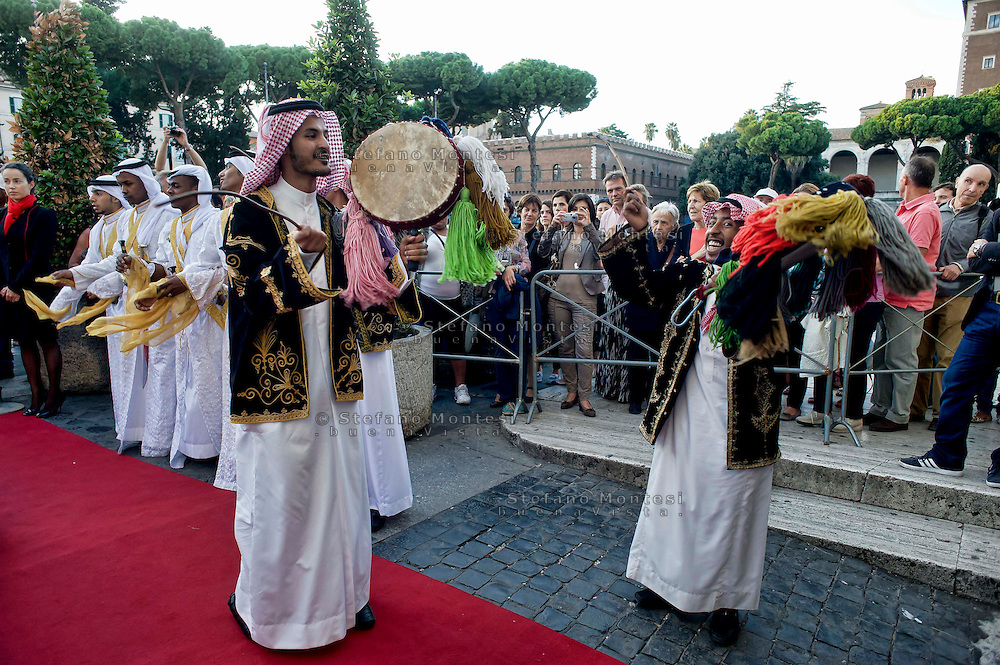 Roma 3 Ottobre 2013<br /> Celebrazioni per gli 80 Anni di Relazioni Diplomatiche tra Arabia Saudita e Italia.<br /> La Danza delle Spade tradizionale danza dell 'Arabia Saudita   inaugura la mostra &quot;Alla scoperta dell'Arabia Saudita&quot;  al Vittoriano<br /> Saudi Cultural Days in Rome<br />  The Dance of Swords traditional dance of the 'Saudi Arabia opens the exhibition &quot;Discovering Saudi Arabia&quot; at the Vittoriano
