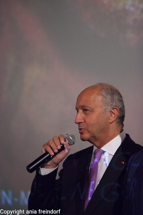 """Laurent Fabius, presenting the documentary film """"Wonders of the sea"""", produced by Arnold Schwarzenegger and Francois Montello, directed by Jean-Michel Cousteau and Jean-Jacques Montello, with the support of R20, Di Caprio Fondation and Green Cross, Paris, France"""