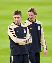 MARSEILLE, FRANCE - Monday, September 15, 2008: Liverpool's captain Steven Gerrard MBE and Fernando Torres training ahead of the opening UEFA Champions League Group D match against Olympique de Marseille at Stade Velodrome. (Photo by David Rawcliffe/Propaganda)
