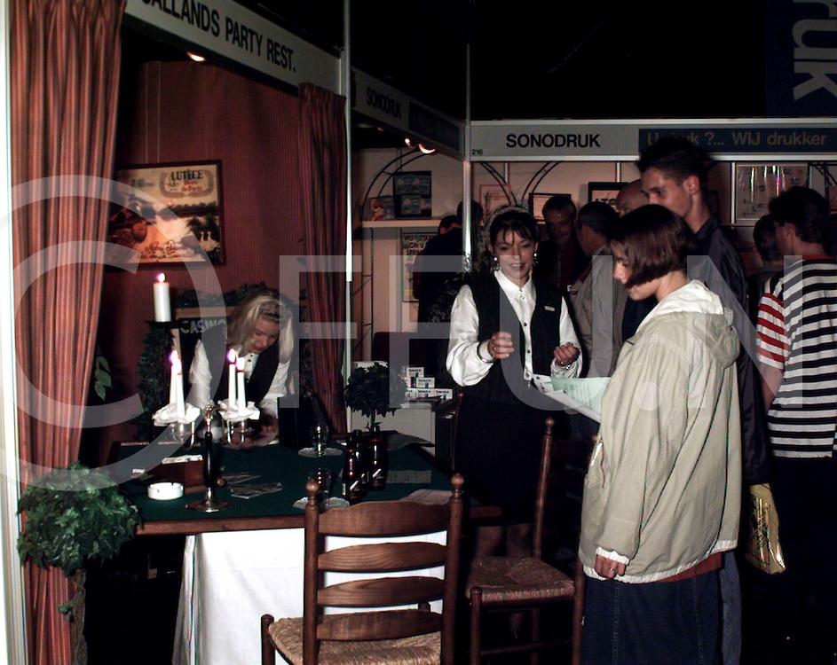 hardenberg : ondernemerscontactdagen met de stand van heino..foto frank uijlenbroek@1995