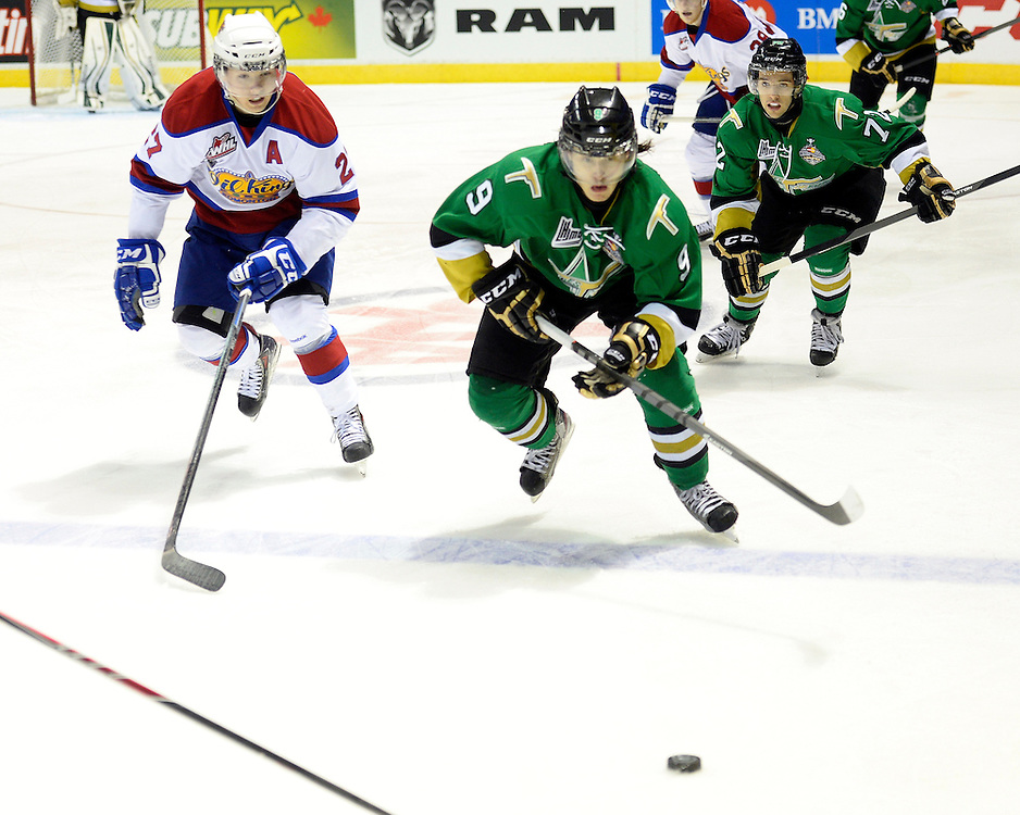 Action from the semi-final game at the 2014 MasterCard Memorial Cup between the Val-d'Or Foreurs and Edmonton Oil Kings. Photo by Aaron Bell/CHL Images