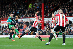 Bobby Reid of Bristol City takes a shot at goal - Mandatory by-line: Dougie Allward/JMP - 16/04/2016 - FOOTBALL - Griffin Park - Brentford, England - Brentford v Bristol City - Sky Bet Championship