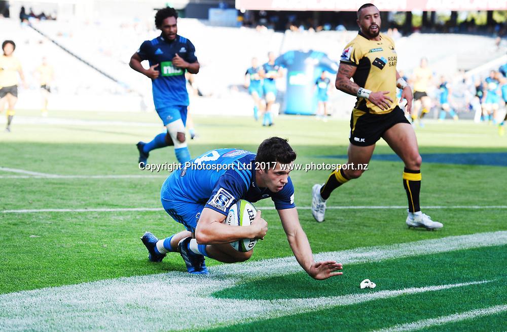 Matt Duffie scores a try. Blues v Force. Super Rugby. Eden Park, Auckland, New Zealand. Saturday 1 April 2017. © Copyright Photo: Andrew Cornaga / www.Photosport.nz