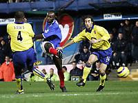 Fotball<br /> Premier League 2004/05<br /> Portsmouth v Arsenal<br /> 19. desember 2004<br /> Foto: Digitalsport<br /> NORWAY ONLY<br /> lua lua (PORTSMOUTH)
