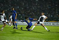 Siena 23-10-04<br />Campionato di calcio Serie A 2004-05<br />Siena Juventus<br />nella  foto Del Piero realizza il gol del 0-2<br />Foto Snapshot / Graffiti