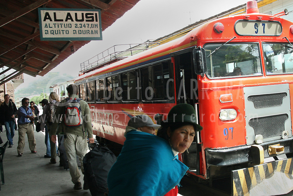 Alberto Carrera, Train Station, Nariz del Diablo Train, Alausí, Andes, Ecuador, South America, America