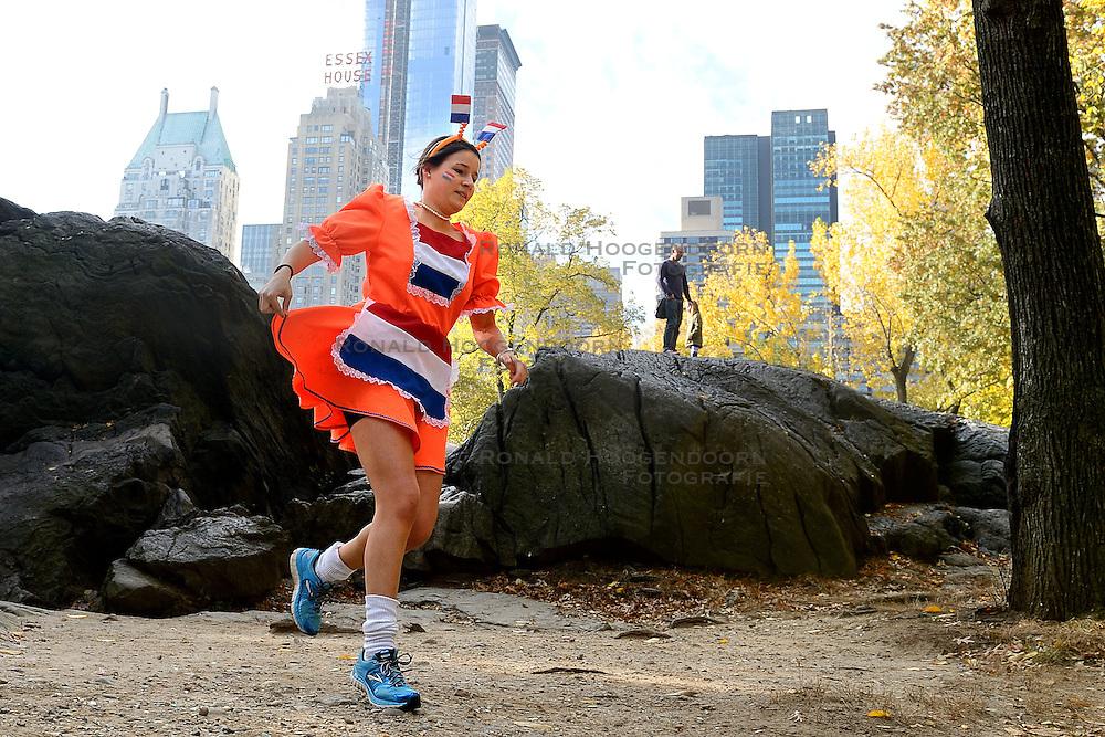 02-11-2013 ALGEMEEN: BVDGF NY MARATHON: NEW YORK <br /> Voorbereiding NY marathon 2013 in het Central Park / Jessie<br /> ©2013-WWW.FOTOHOOGENDOORN.NL