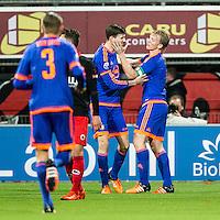 ROTTERDAM - SBV Excelsior - Feyenoord , Voetbal , Seizoen 2015/2016 , Eredivisie , Stadion Woudestein , 28-11-2015 , Speler van Feyenoord Dirk Kuyt (r) feliciteert doelpunten maker Speler van Feyenoord Michiel Kramer (l) voor de 0-2