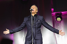 NOV 02 2013 Michael Bolton in Germany