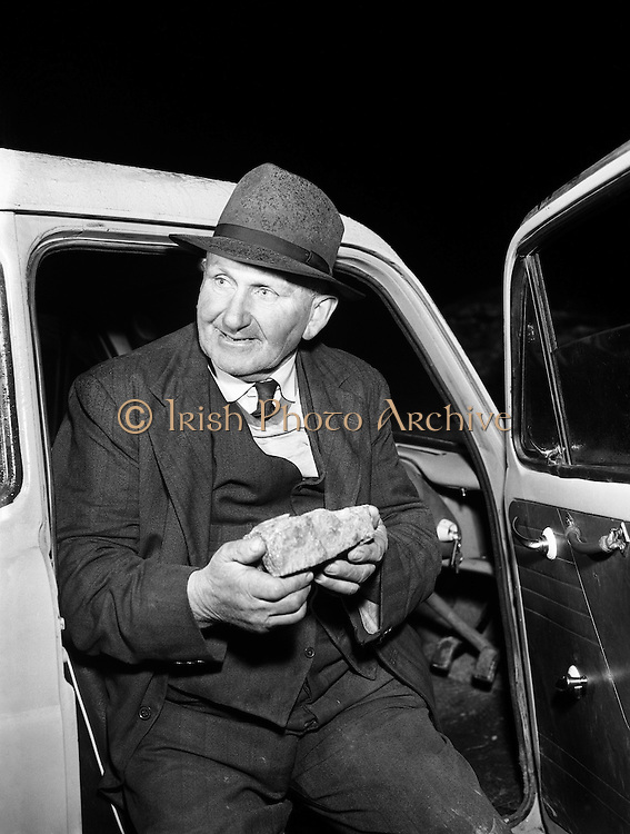 Gold Mine - Gold Found at Co. Monaghan -.Michael Hughes pictured with the gold he discovered..01/02/1957