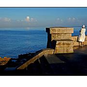 """Autor de la Obra: Aaron Sosa<br /> Título: """"Serie: La Habana""""<br /> Lugar: La Habana - Cuba<br /> Año de Creación: 2007<br /> Técnica: Captura digital en RAW impresa en papel 100% algodón Ilford Galeríe Prestige Silk 310gsm<br /> Medidas de la fotografía: 33,3 x 22,3 cms<br /> Medidas del soporte: 45 x 35 cms<br /> Observaciones: Cada obra esta debidamente firmada e identificada con """"grafito – material libre de acidez"""" en la parte posterior. Tanto en la fotografía como en el soporte. La fotografía se fijó al cartón con esquineros libres de ácido para así evitar usar algún pegamento contaminante.<br /> <br /> Precio: Consultar<br /> Envios a nivel nacional  e internacional."""