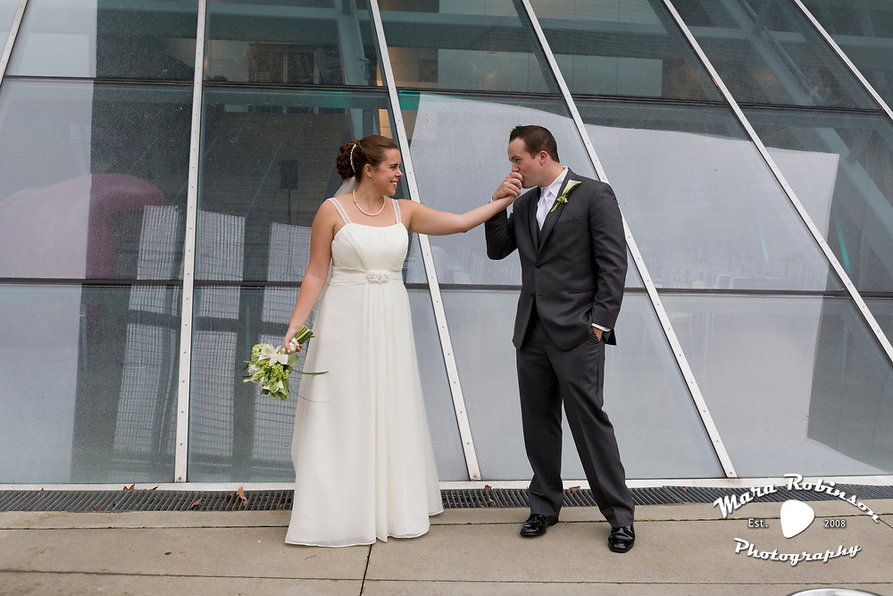 bride and groom at Akron Art Museum by Tallmadge wedding photographer, Akron wedding photographer Mara Robinson Photography