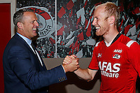 ALKMAAR - 27-08-15, Europa League,  2e voorronde,  AZ  - Astra GiurGiu, AFAS Stadion, 2-0, AZ trainer John van den Brom (l), AZ speler Jop van der Linden (r).