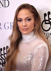 Jennifer Lopez Holding - 27 Sep 2018