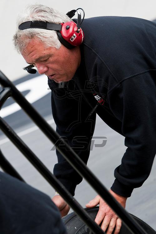 BRISTOL, TN - MAR 18, 2011:  Fas Lane Racing prepares Ken Shraders car to Jeff Byrd 500 presented by Food City practice at the Bristol Motor Speedway in Bristol, TN.