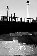 France. Paris. 1st district. the Arcole bridge .  Ile de la Cite, Paris, France. T / le pont d'Arcole sur la Seine