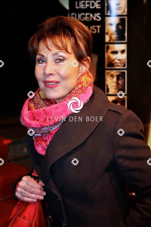 AMSTERDAM - Carolien van den Berg op de premiere van de film Loft dinsdag in Amsterdam. De film is vanaf 16 december in de Nederlandse bioscopen te zien. FOTO LEVIN DEN BOER - PERSFOTO.NU