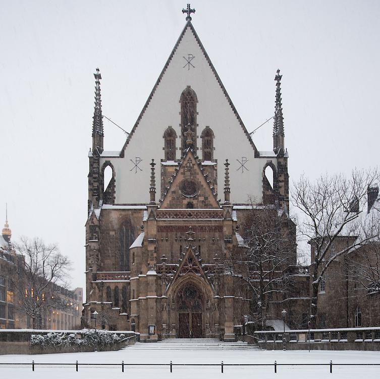Stadtansichten / Stadtmarke / Stadtansicht / Innenstadt / Leipzig / Architektur / Winter / Schnee / Dezember / K&auml;lte / Schneefall / Neuschnee / Eis / Wetter / Unwetter / Thomaskirche / <br /> Im Bild:Albrecht Vo&szlig;, Dieskaustra&szlig;e 17, 04229 Leipzig; Tel.: 01733151767; Deutsche Bank, BIC: DEUTDEDBLEG, IBAN: DE09 86070024 0103 2762 00