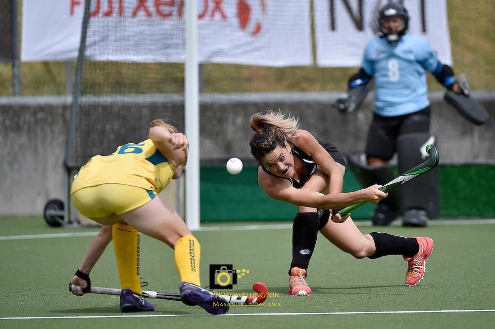 Natasha FitzSimons in action during the International Hockey - Black Sticks Women v Hockeyroos at National Hockey Stadium, Newtown, New Zealand on Saturday 15 November 2014. <br /> Photo by Masanori Udagawa. <br /> www.photowellington.photoshelter.com.