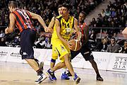 DESCRIZIONE : Ancona Lega A 2012-13 Sutor Montegranaro Angelico Biella<br /> GIOCATORE : Valerio Mazzola<br /> CATEGORIA : palleggio difesa<br /> SQUADRA : Angelico Biella Sutor Montegranaro<br /> EVENTO : Campionato Lega A 2012-2013 <br /> GARA : Sutor Montegranaro Angelico Biella<br /> DATA : 02/12/2012<br /> SPORT : Pallacanestro <br /> AUTORE : Agenzia Ciamillo-Castoria/C.De Massis<br /> Galleria : Lega Basket A 2012-2013  <br /> Fotonotizia : Ancona Lega A 2012-13 Sutor Montegranaro Angelico Biella<br /> Predefinita :