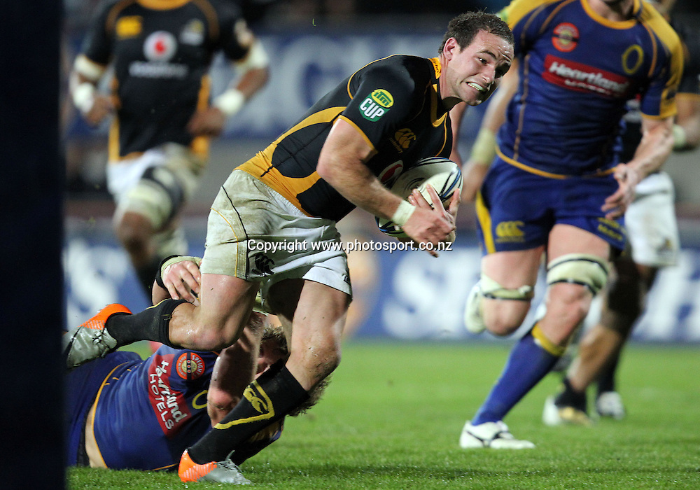Alby Mathewson on his way to scoring a try.<br /> Rugby - ITM Cup - Mike Gibson Memorial Trophy - Otago v Wellington, 14 August 2010, Carisbrook, Dunedin, New Zealand.<br /> Photo: Rob Jefferies/PHOTOSPORT