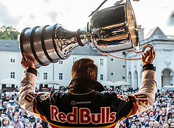 15.04.2016, Kapitelplatz, Salzburg, AUT, EBEL, Meisterfeier EC Red Bull Salzburg, im Bild Juuso Riksman (EC Red Bull Salzburg) // Juuso Riksman (EC Red Bull Salzburg) during the Erste Bank Icehockey Liga Championships Party of EC Red Bull Salzburg at the Kapitelplatz in Salzburg, Austria on 2016/04/15. EXPA Pictures © 2016, PhotoCredit: EXPA/ JFK