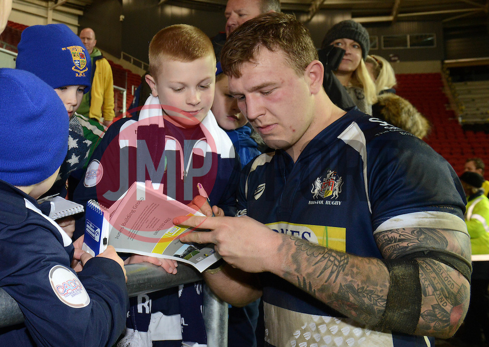 Bristol Rugby Flanker Max Crumpton signs autographs for fans - Mandatory byline: Dougie Allward/JMP - 22/01/2016 - RUGBY - Ashton Gate -Bristol,England - Bristol Rugby v Ulster Rugby - B&I Cup