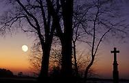 DEU, Germany, moonrise near Aachen.....DEU, Deutschland, Mondaufgang nahe Aachen...