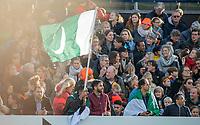 AMSTELVEEN - supporters van Pakistan  tijdens de tweede Olympische kwalificatiewedstrijd hockey mannen ,  Nederland-Pakistan (6-1).  COPYRIGHT KOEN SUYK