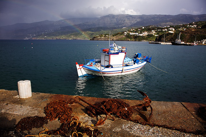 One reason for Ikaria's isolation is that the island has no natural harbors. Still, in some villages, fishing is an important source of income.