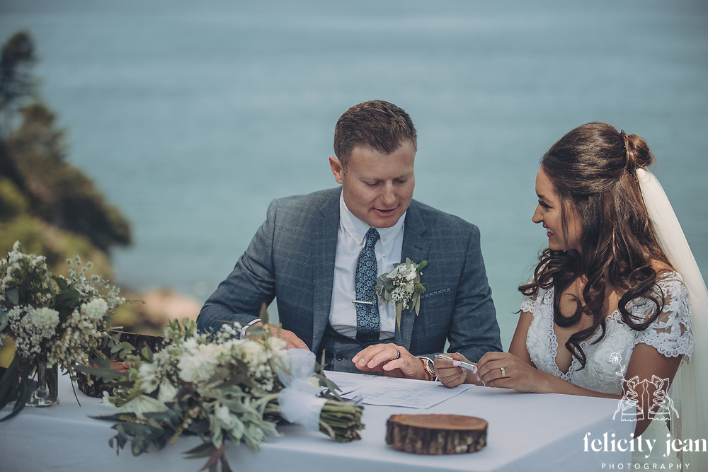 Craig & Jay's Coromandel Wedding at Orua Beach House Hotwater Beach by Felicity Jean Photography