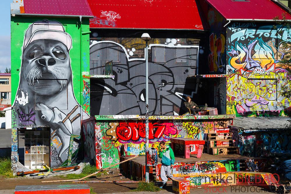 Grafitties in Hjartatorg o Hjartagardourinn (Heart Square). Reykjavik. Iceland, Europe.