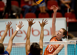 08-08-2014 NED: FIVB Grand Prix Nederland - Puerto Rico, Doetinchem<br /> Lonneke Sloetjes