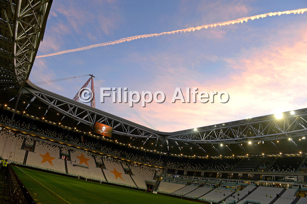&copy; Filippo Alfero<br /> Juventus vs Sampdoria - Serie A 2012 / 2013<br /> Torino, 06/01/2013<br /> sport calcio<br /> Nella foto: lo Juventus Stadium al tramonto