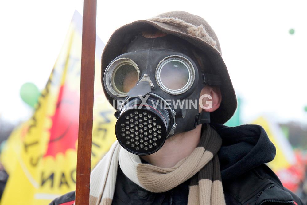Auftaktkundgebung der Antiatomproteste in Splietau mit ca. 50000 Teilnehmern.<br />  <br /> <br /> Ort: Splietau<br /> Copyright: Malte D&ouml;rge<br /> Quelle: PubliXviewinG