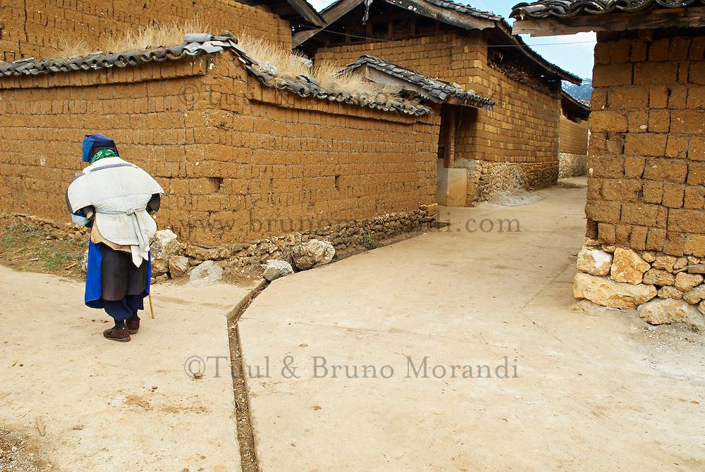 Chine. Province du Yunnan. Village de Baisha, dans les environs de Lijiang. Population Naxi. // China. Yunnan province. Baisha village around Lijiang. Naxi ethnic group.