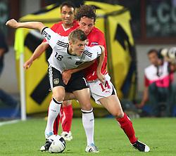 03.06.2011, Ernst Happel Stadion, Wien, AUT, UEFA EURO 2012, Qualifikation, Oesterreich (AUT) vs Deutschland (GER), im Bild Zweikampf zwischen Toni Kroos, (GER, #18) und Julian Baumgartlinger, (AUT, #14)  // during the UEFA Euro 2012 Qualifier Game, Austria vs Germany, at Ernst Happel Stadium, Vienna, 2010-06-03, EXPA Pictures © 2011, PhotoCredit: EXPA/ T. Haumer