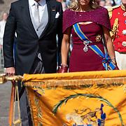 NLD/Den Haag/20190917 - Prinsjesdag 2019, Maxima en Willem - Alexander groeten het vaandel