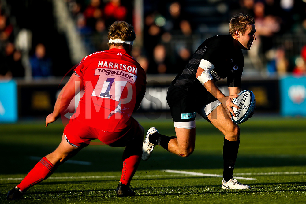 Max Malins of Saracens takes on Ross Harrison of Sale Sharks - Mandatory by-line: Robbie Stephenson/JMP - 17/11/2018 - RUGBY - Allianz Park - London, England - Saracens v Sale Sharks - Gallagher Premiership Rugby