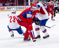 17.05.2012, Ericsson Globe, Stockholm, SWE, IIHF, Eishockey WM, Viertelfinale, Russland (RUS) vs Norwegen (NOR), im Bild Russia 11 Yevgeni Malkin (Pittburgh Penguins), Norway 8 Mads Hansen (Brynas) // during the IIHF Icehockey World Championship Quarter Final Game between Russia (RUS) and Norway (NOR) at the Ericsson Globe, Stockholm, Sweden on 2012/05/17. EXPA Pictures © 2012, PhotoCredit: EXPA/ PicAgency Skycam/ Johan Andersson..***** ATTENTION - OUT OF SWE *****